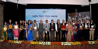 Dr. Harsh Vardhan confers awards to science communicators